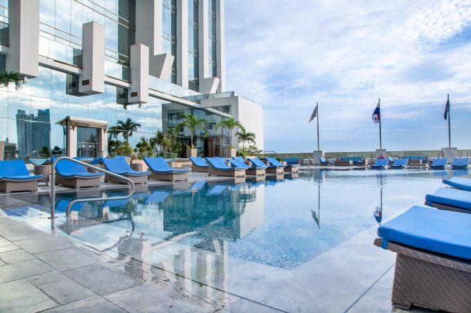 Piscina Hotel Hilton